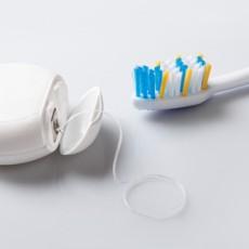 Igiene orale impianti dentali: dovrò adottare una particolare prassi per l'igiene dentale?